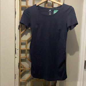 H&M maternity tshirt